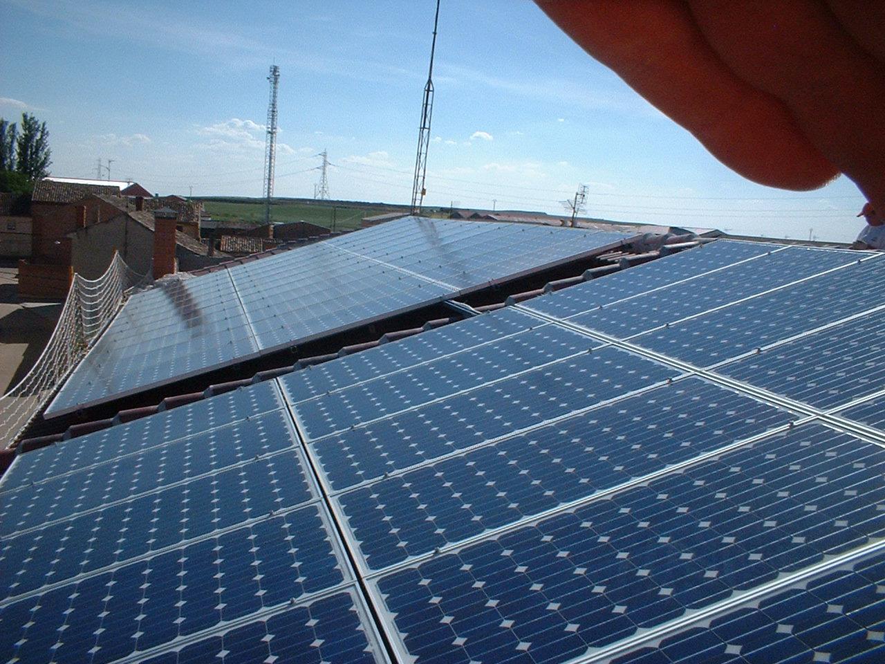 Solcan soluciones ambientales s l energ a solar for Instalacion fotovoltaica conectada a red
