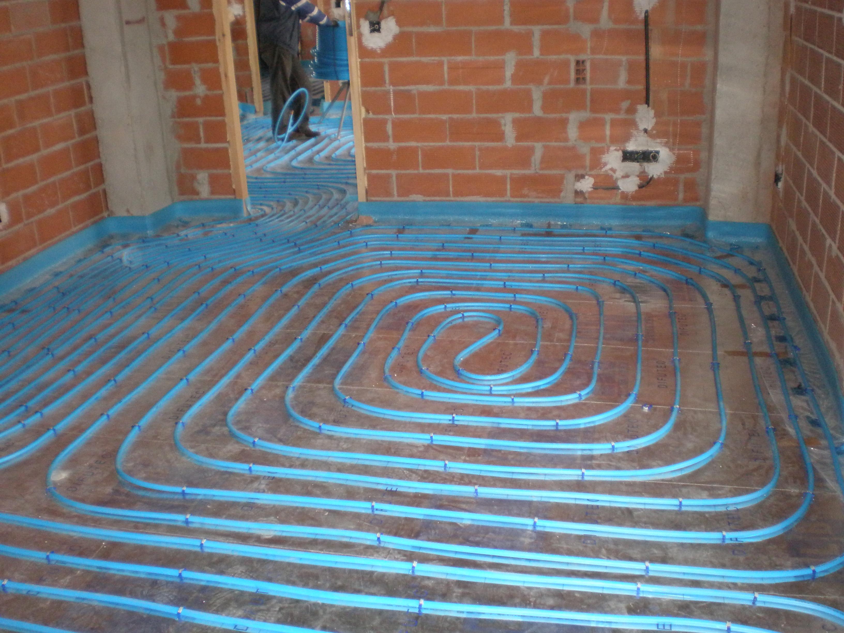 Solcan soluciones ambientales s l calefacci n por - Calefaccion para un piso ...